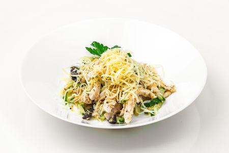 Салат с черносливом и пармезаном