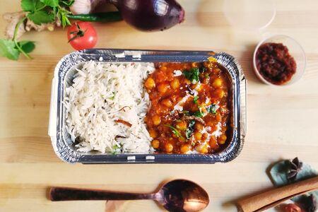 Чхоле Чавал: нутовый горох с рисом (подходит для вегетарианцев и веганов)