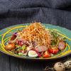 Фото к позиции меню Салат Дрезденский с колбасками