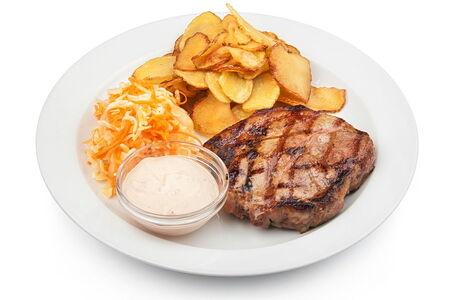 Стейк из свинины жареный картофель