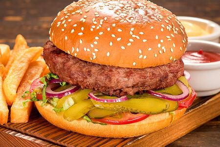 Классический бургер из мраморной говядины