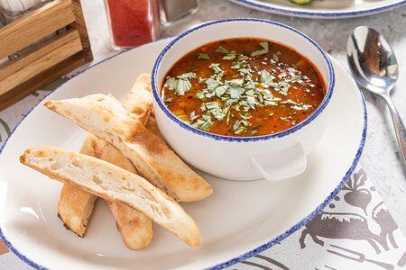 Суп томатный с белой фасолью