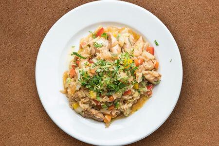 Курица с рисом и овощами в соусе терияки