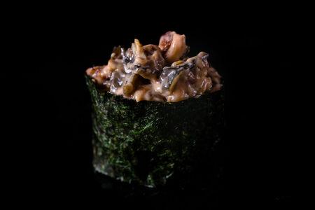 Острые суши угорь
