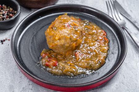 Тефтель мясная в овощном соусе