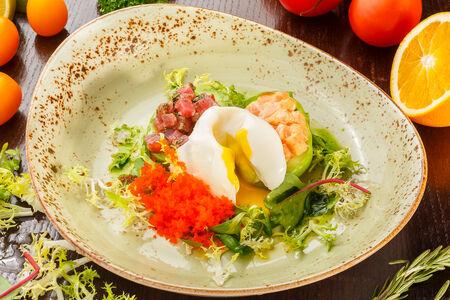 Нежный авокадо с лососем