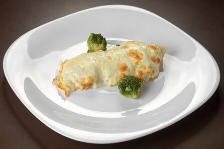 Рыба, запеченная с брокколи