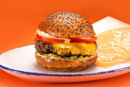 Чизбургер с мраморной говядиной
