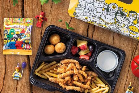 Детский обед с наггетсами