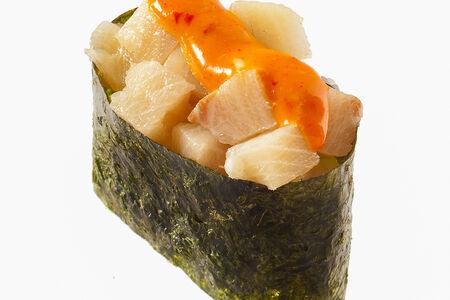 Спайс-суши с окунем