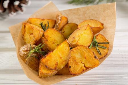 Молодой картофель Черри по-деревенски
