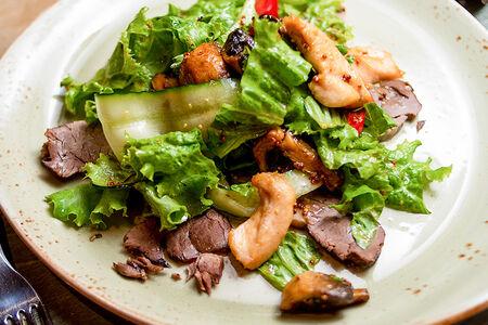 Гриль салат с языком