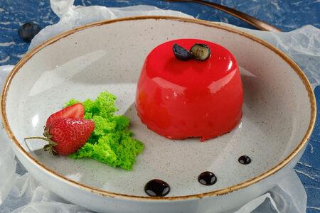 Десерт Шоколадная бомба с малиной