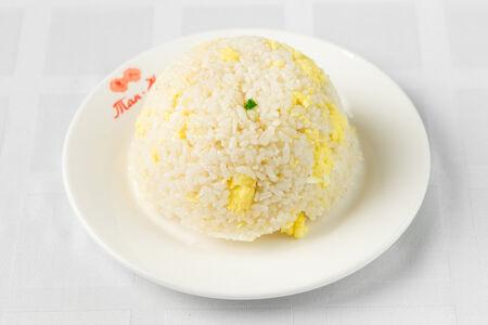 Рис с жареным яйцом