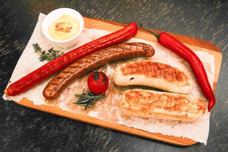 Ассорти колбасок на гриле