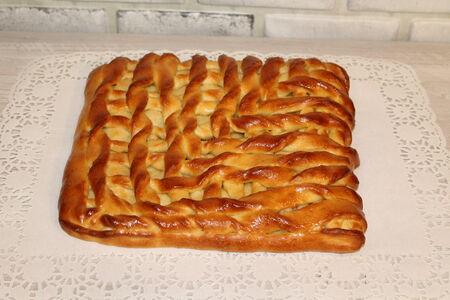 Пирог с куриной грудкой и картошкой