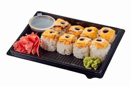 Запеченный ролл с лососем терияки