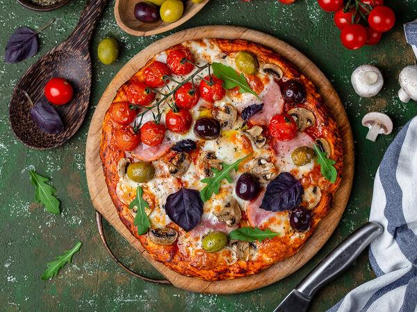 Нори роллы и пицца