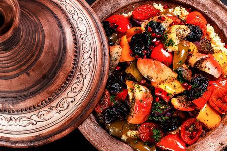 Ягненок томленый с овощами  по-мароккански