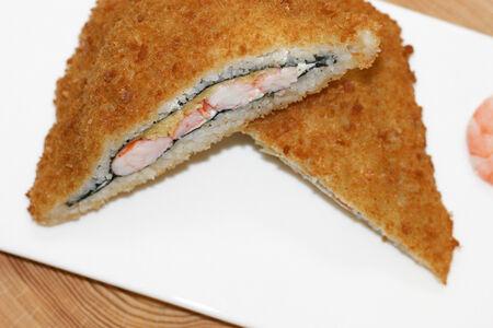Суши сэндвич с креветкой