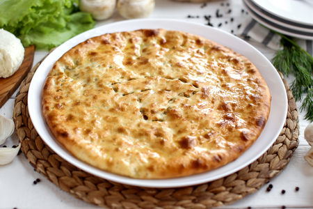 Пирог осетинский с грибами и сыром