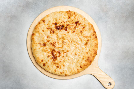 Пирог с курицей, сыром и помидорами