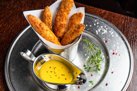 Чикен стикс с сырным соусом Чеддер