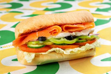 Сэндвич Лосось Крем-чиз маленький