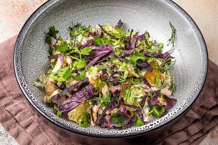 Салат с картофелем и копчеными колбасками