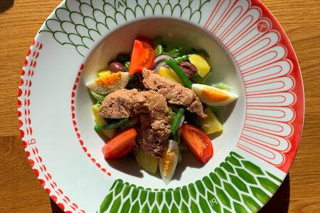 Прованский салат Нисуаз с консервированным тунцом