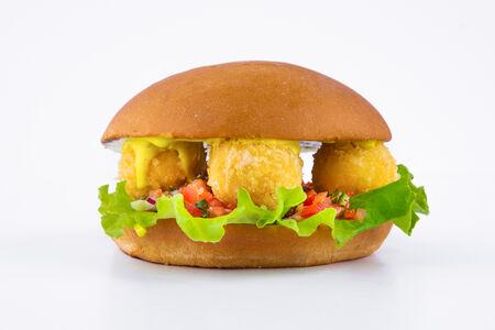 Бургер Вега с сырными шариками