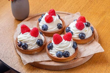 Набор ягодных тарталеток