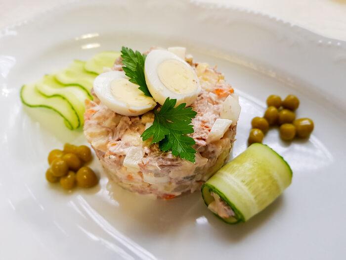 Салат на манер Оливье