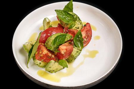 Салат Авокадо с томатами
