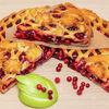 Фото к позиции меню Пирог с яблоками и брусникой