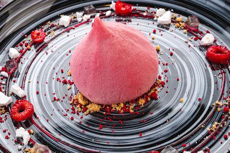 Десерт Малиновый бархат