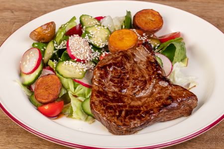 Стейк салат