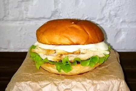 Чикен бургер с моцареллой
