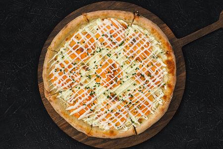 Пицца с лососем и маскарпоне