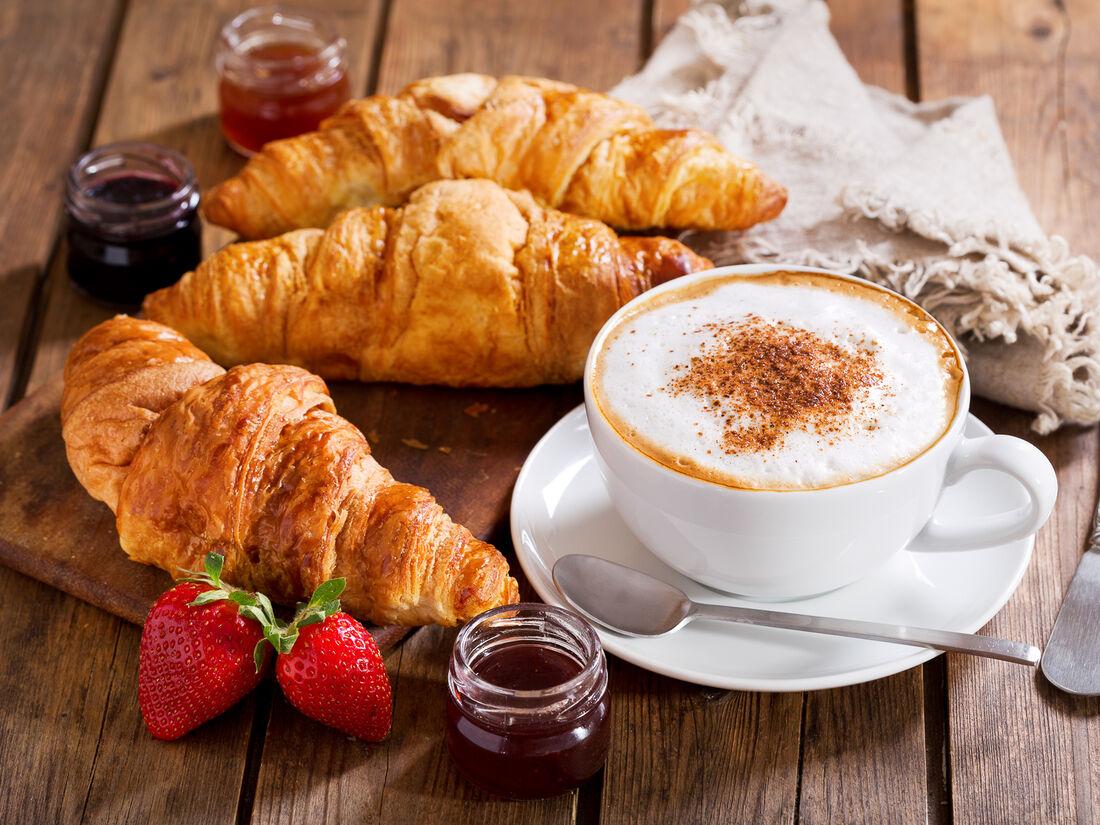 The Coffee & Breakfast