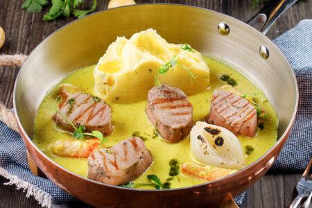 Свиная вырезка в йогуртовом соусе