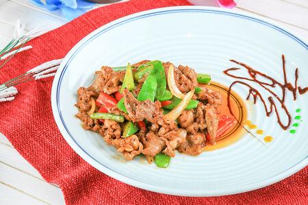 Баранина в китайском соусе черный перец