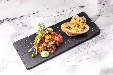 Тартар из лосося и тунца