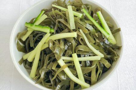 Салат из морской капусты со свежим огурцом