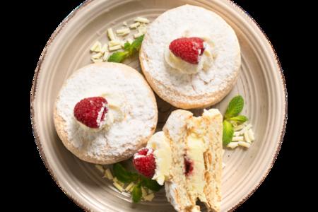 Пирожное Миндально-малиновое суфле от шеф-кондитера Ав