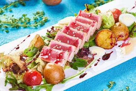 Салат с тунцом Блю фин
