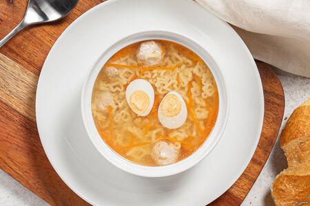 Суп Куриный с перепелиным яйцом