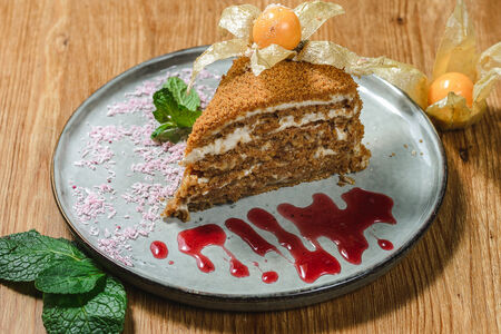 Торт А-ля Медовик