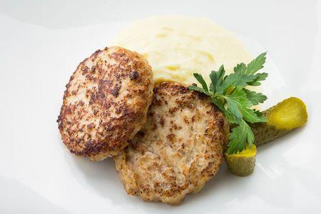Котлеты куриные с картофельным пюре