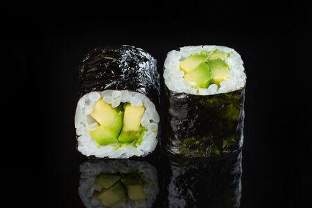 Ролл Хосомаки с авокадо